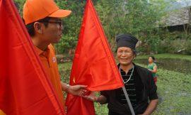 Tập đoàn FPT tặng đồng bào biên giới 6.000 lá cờ Tổ quốc