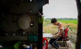 Những đứa trẻ nhập cư sợ Tết về