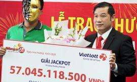 Tài xế GrabBike trúng Jackpot hơn 57 tỷ đồng ủng hộ từ thiện cho Quỹ Hy vọng