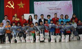Quỹ Hy Vọng mang Tết về với trẻ em biên giới