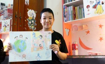 Bệnh nhi ung thư vẽ 'siêu anh hùng' chống dịch